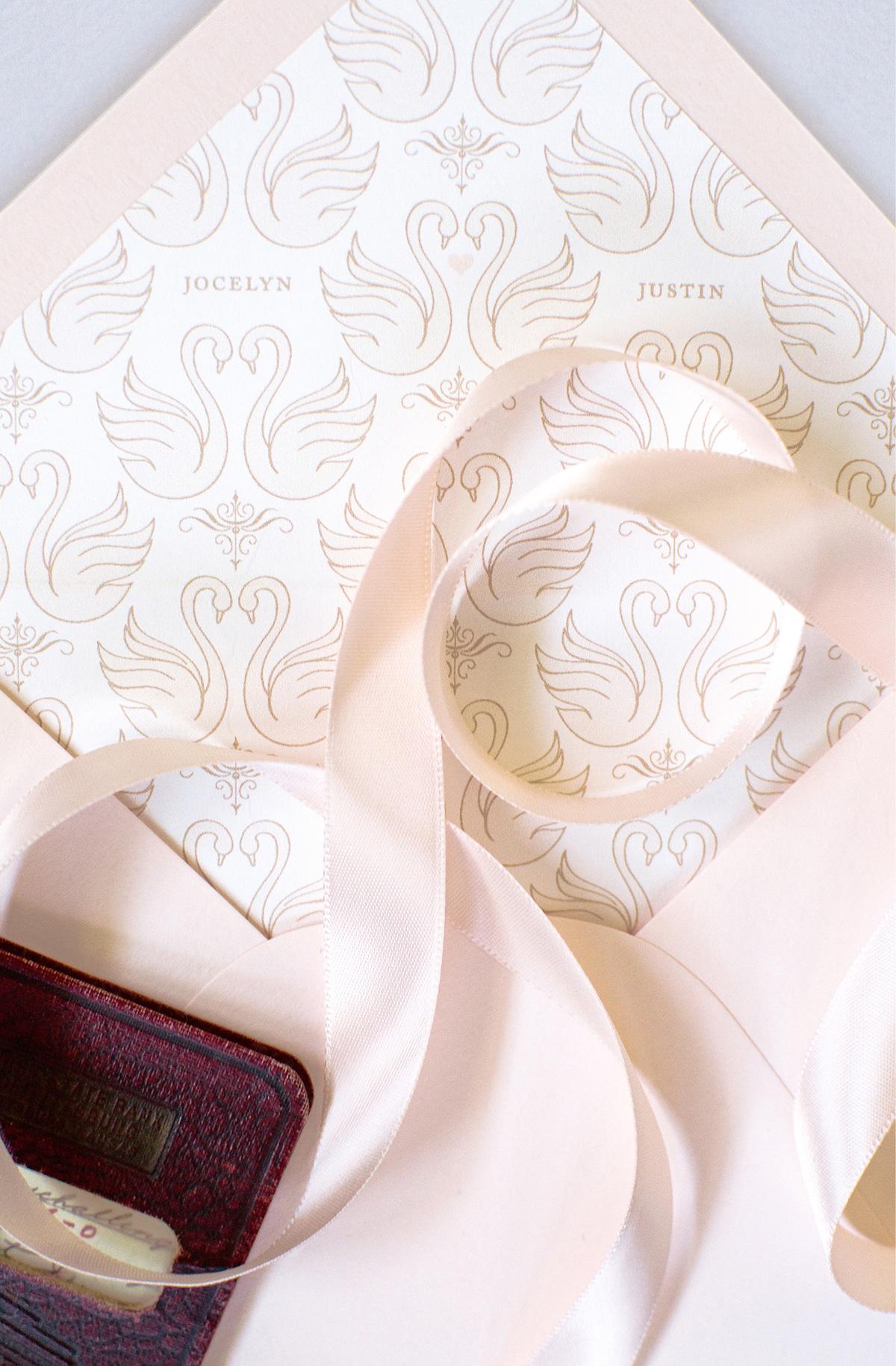 Swan illustration patterned envelope liner